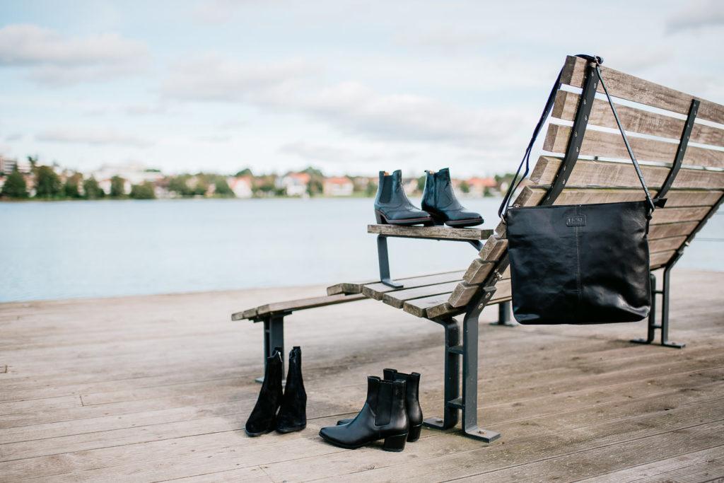 Svarta snygga boots och kangor ar ett maste i host- Bonvings.se